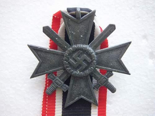Click image for larger version.  Name:Kriegsverdienstkreuz 2.Klasse mit Schwertern Zinc 4.jpg Views:164 Size:193.1 KB ID:435391