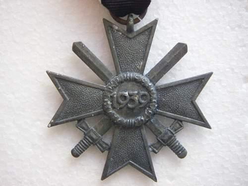 Click image for larger version.  Name:Kriegsverdienstkreuz 2.Klasse mit Schwertern Zinc 2.jpg Views:79 Size:192.0 KB ID:435392