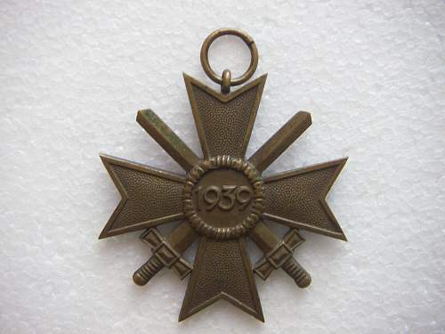 Click image for larger version.  Name:Kriegsverdienstkreuz 2.Klasse mit Schwertern Tomback 3.jpg Views:104 Size:201.9 KB ID:435393