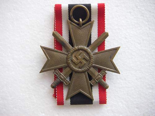 Click image for larger version.  Name:Kriegsverdienstkreuz 2.Klasse mit Schwertern Tomback 1.jpg Views:553 Size:232.4 KB ID:435394