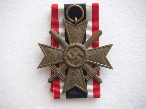 Click image for larger version.  Name:Kriegsverdienstkreuz 2.Klasse mit Schwertern Tomback 1.jpg Views:767 Size:232.4 KB ID:435394