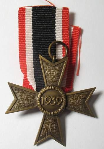 Kriegsverdienstkreuz 2.Klasse mit und ohne Schwerten