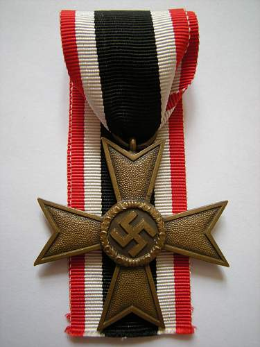 Click image for larger version.  Name:War merit cross without swords.jpg Views:40 Size:218.3 KB ID:494590