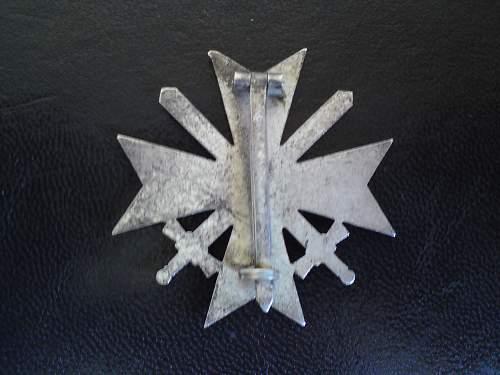Kriegsverdienstkreuz mit Schwerten 1st class-original?