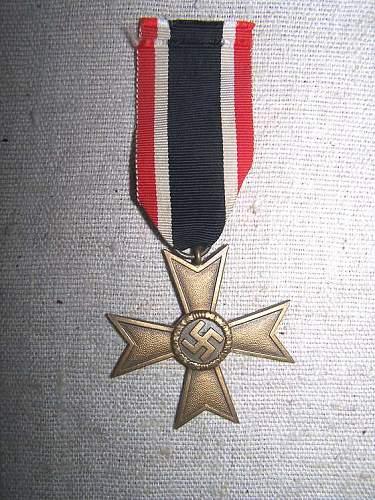 Click image for larger version.  Name:german_medal1.jpg Views:20 Size:85.9 KB ID:565038