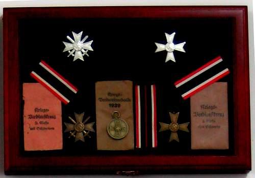 Kriegsverdiesntkreuz 2.Klasse mit Schwerten.