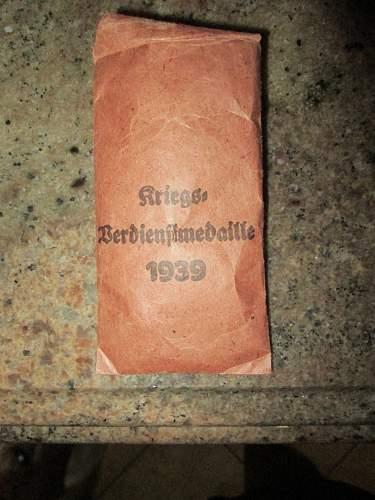 Kriegsverdienstmedaille with envelope