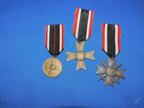 set of 3 kriegverdienstkreuze