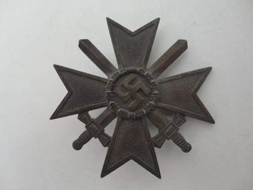 Click image for larger version.  Name:Kriegsverdienstkreuz.jpg Views:54 Size:42.8 KB ID:863819