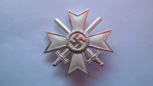 Kriegsverdienstkreuz 1.Klasse mit Schwertern marked 1 (big) original?
