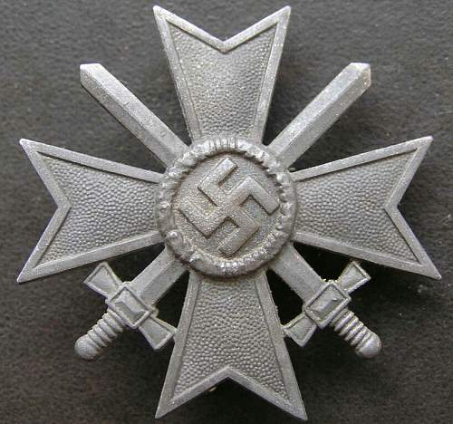 Kriegsverdienstkreuz 1939 1. Klasse mit Schwertern marked 3 - ask for help