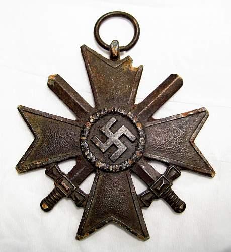 Kriegsverdienstkreuz 2.Klasse mit Schwertern - I'm not sure