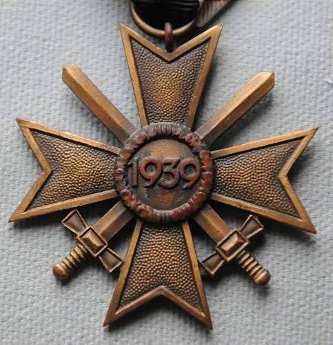 Click image for larger version.  Name:2 War Merit Cross back.jpg Views:18 Size:208.1 KB ID:944492
