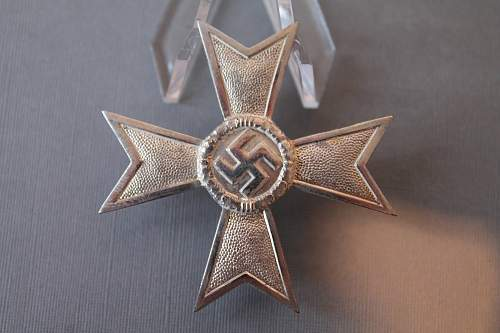 Kriegsverdienstkreuz 1 klasse ohne schwerter. Petz & Lorenz ??