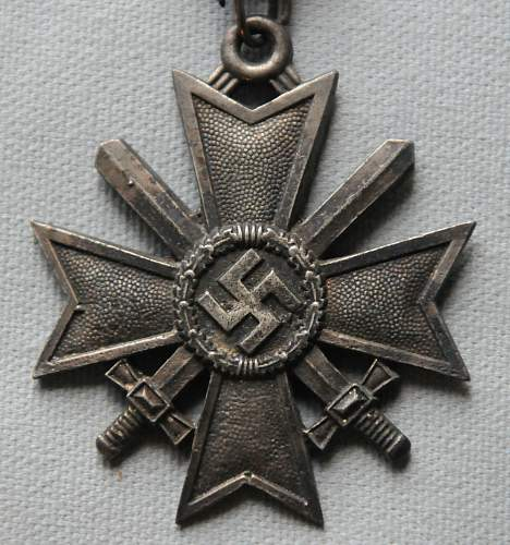 Click image for larger version.  Name:The Knights Cross of the War Merit Cross front.jpg Views:12 Size:211.8 KB ID:945679