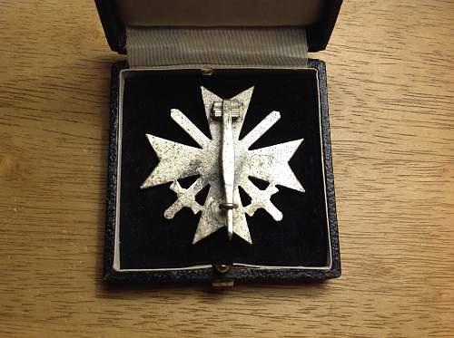 Kriegsverdienstkreuz 1.Klasse mit Schwertern cased Deumer