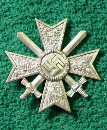 Kriegsverdienstkreuz 1.Klasse mit Schwertern  65