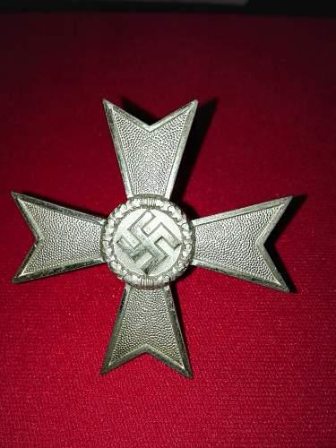 Help with my Kriegsverdienstkreuz 1.Klasse ohne Schwerter