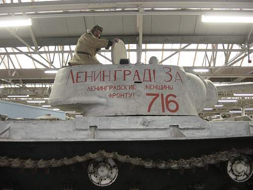 Click image for larger version.  Name:Xmas at the Tank Museum 2011 015.jpg Views:26 Size:251.1 KB ID:274212