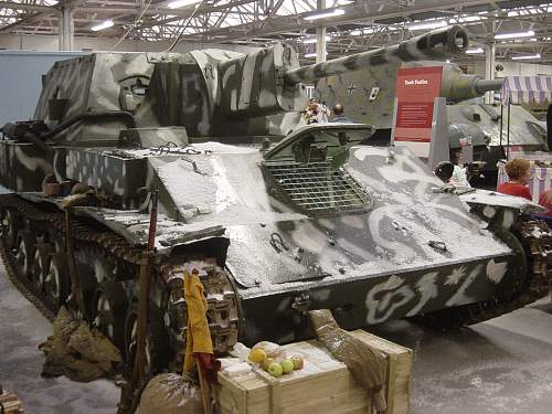 Click image for larger version.  Name:Xmas at the Tank Museum 2011 003.jpg Views:56 Size:259.7 KB ID:274227