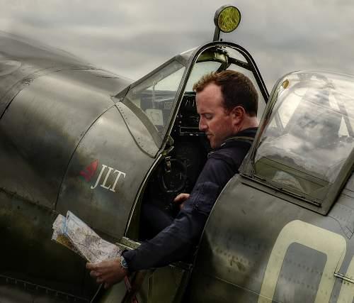 Click image for larger version.  Name:Spitfire pilot2.jpg Views:162 Size:338.0 KB ID:612269