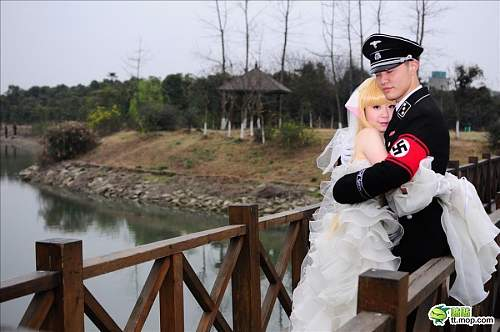 Click image for larger version.  Name:nazi-cosplay-01.jpg Views:3413 Size:70.3 KB ID:677332