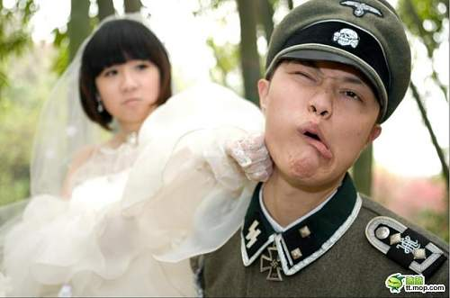 Click image for larger version.  Name:nazi-cosplay-11.jpg Views:3513 Size:48.4 KB ID:677333