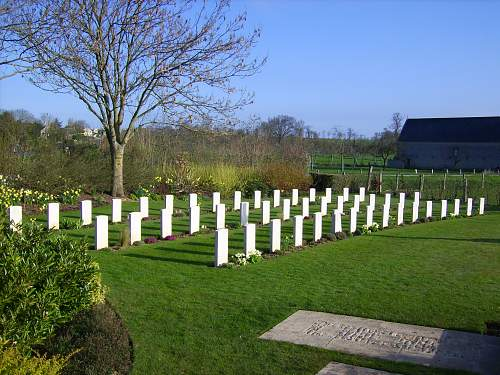 Click image for larger version.  Name:Normandy April 2010 125.jpg Views:51 Size:256.3 KB ID:97519