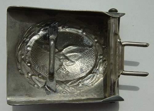 Click image for larger version.  Name:Luftwaffe belt buckle reverse 1..JPG Views:77 Size:120.1 KB ID:403785