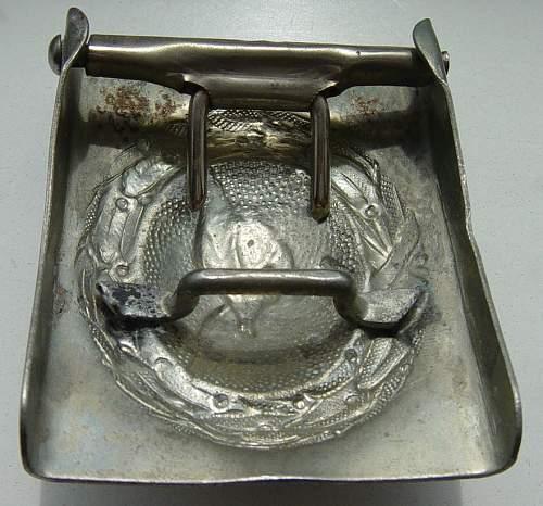 Click image for larger version.  Name:Luftwaffe belt buckle reverse 2..JPG Views:78 Size:115.5 KB ID:403786
