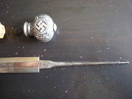 2 Luftwaffe Daggers.