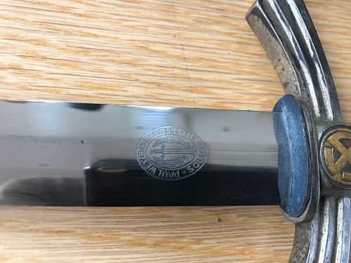 Luftwaffe 1st model dagger. Copy or original???