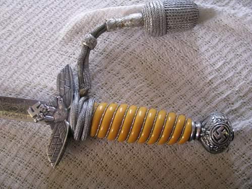 Luftwaffe 2nd model dagger with engraved blade