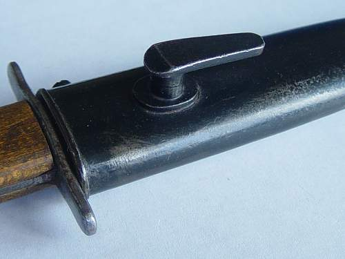 Click image for larger version.  Name:Luftwaffe knife scabbard details 001.jpg Views:127 Size:192.9 KB ID:29402