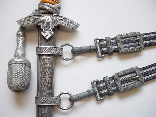 Click image for larger version.  Name:Luftwaffe M1937 dagger close up..jpg Views:313 Size:233.7 KB ID:31220