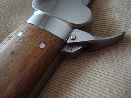 Opinions on Flieger-Kappmesser, luft gravity knife.