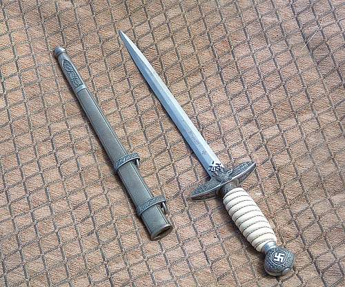 Questions on woodwork Luftwaffe dagger, any/all info appreciated.