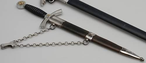 1st model Luftwaffe Dagger - makers mark?