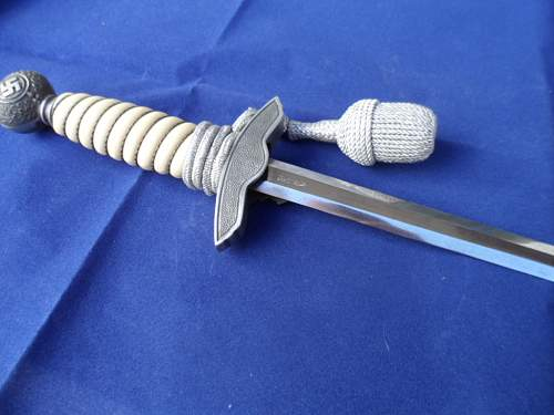 Another 2nd Pattern Luftwaffe Dagger by 'Tiger'.
