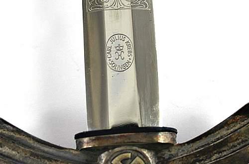 Engraved 1st pattern Luftwaffe dagger.