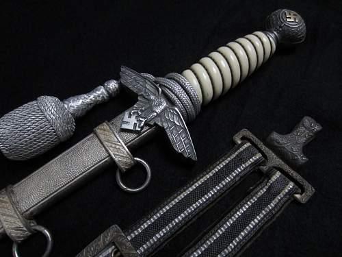 2. Luftwaffe dagger, late Holler - grip?