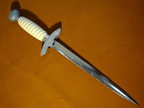 Click image for larger version.  Name:2nd Model Luftwaffe Dagger - 02d.jpg Views:222 Size:146.8 KB ID:82589
