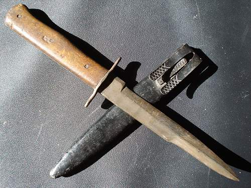 Luftwaffe fighting-knife in a really bad condition !