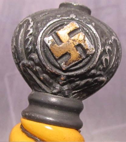 Alcoso 2. model Luftwaffe dagger -  gold gilded pommel swastika?
