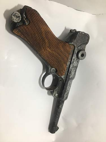 Luger P08 what type  and value