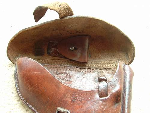 Click image for larger version.  Name:1918 Luger Holster 012.jpg Views:173 Size:105.8 KB ID:597678