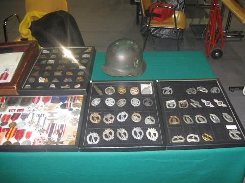 Meeteng with past-------    military fair