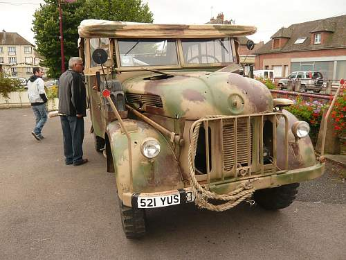 Pics : Vimoutiers Militaria Bourse & a KwK42 box....
