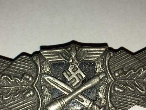 Nahkampfspange made by RS, real or fake ?