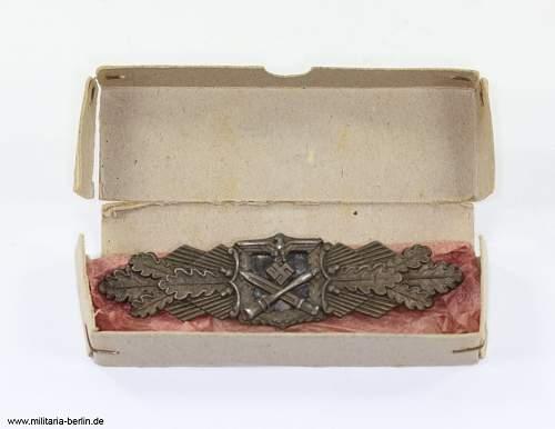 Etui aus Pappe - Nahkampfspange in Bronze - Hersteller Juncker - Original??